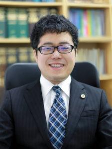 弁護士瀧川智昭の写真